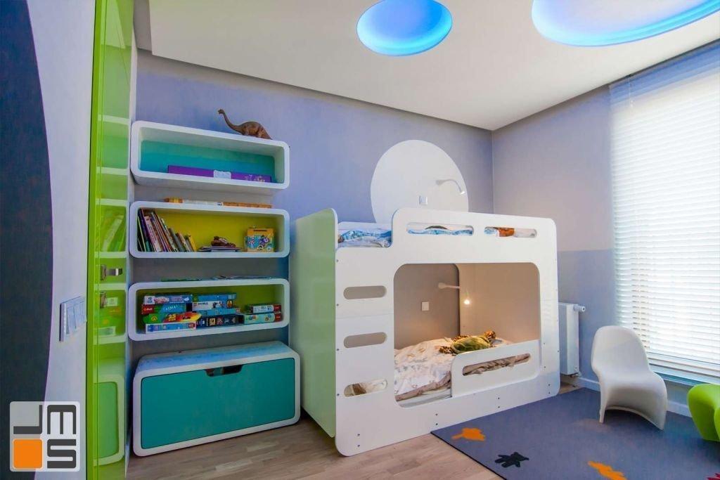 Pomysł na wykończenie pokoju dziecięcego z piętrowym łóżkiem