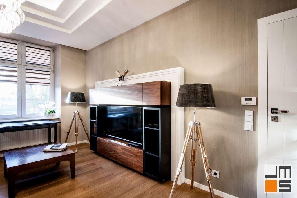 Pomysł na ścianę z telewizorem Pomysł na sufit podwieszany
