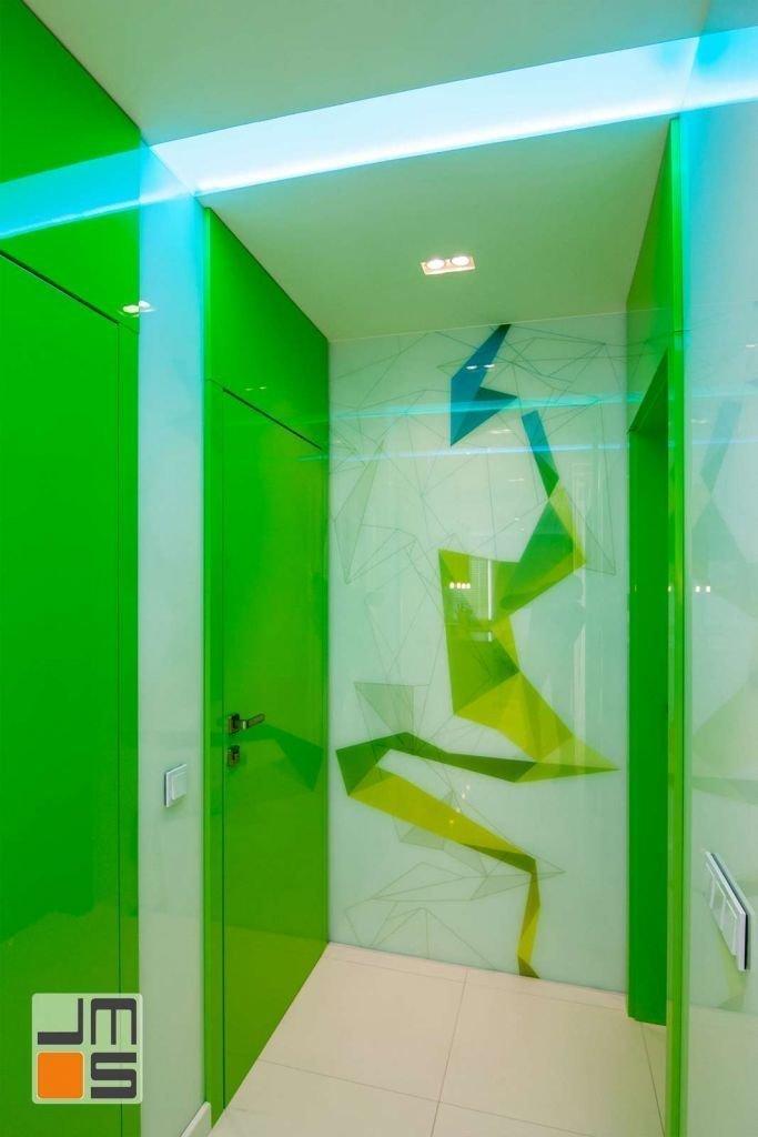 Realizacja nowoczesnego korytarza w nowoczesnym apartamencie