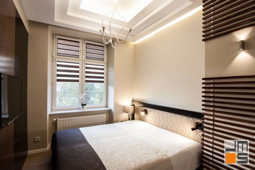 Aranżacja wnętrza luksusowej sypialni pomysł na sufit podwieszany w sypialni