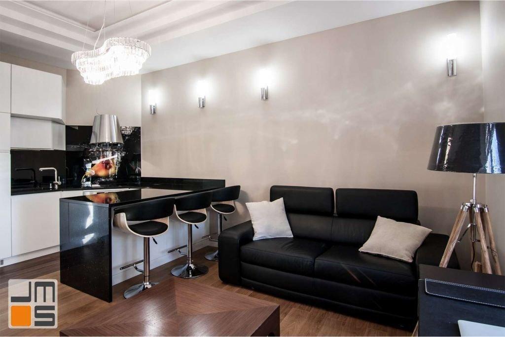Pomysł na połączenie salonu z otwartą luksusową kuchnią