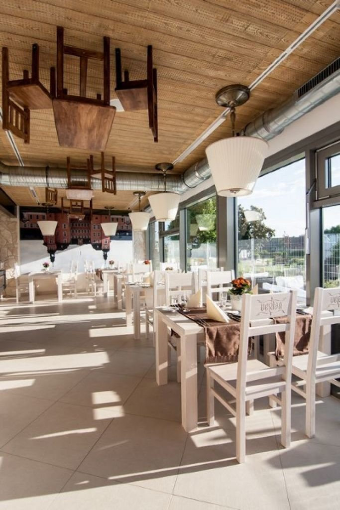 Aranżacja wnętrz restauracji wraz z nadzorem autorskim nad realizacją