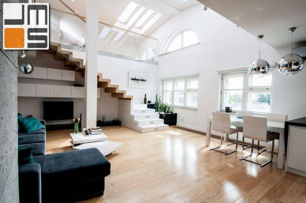 Mieszkanie z wysokim sufitem pomysł na wysoki salon
