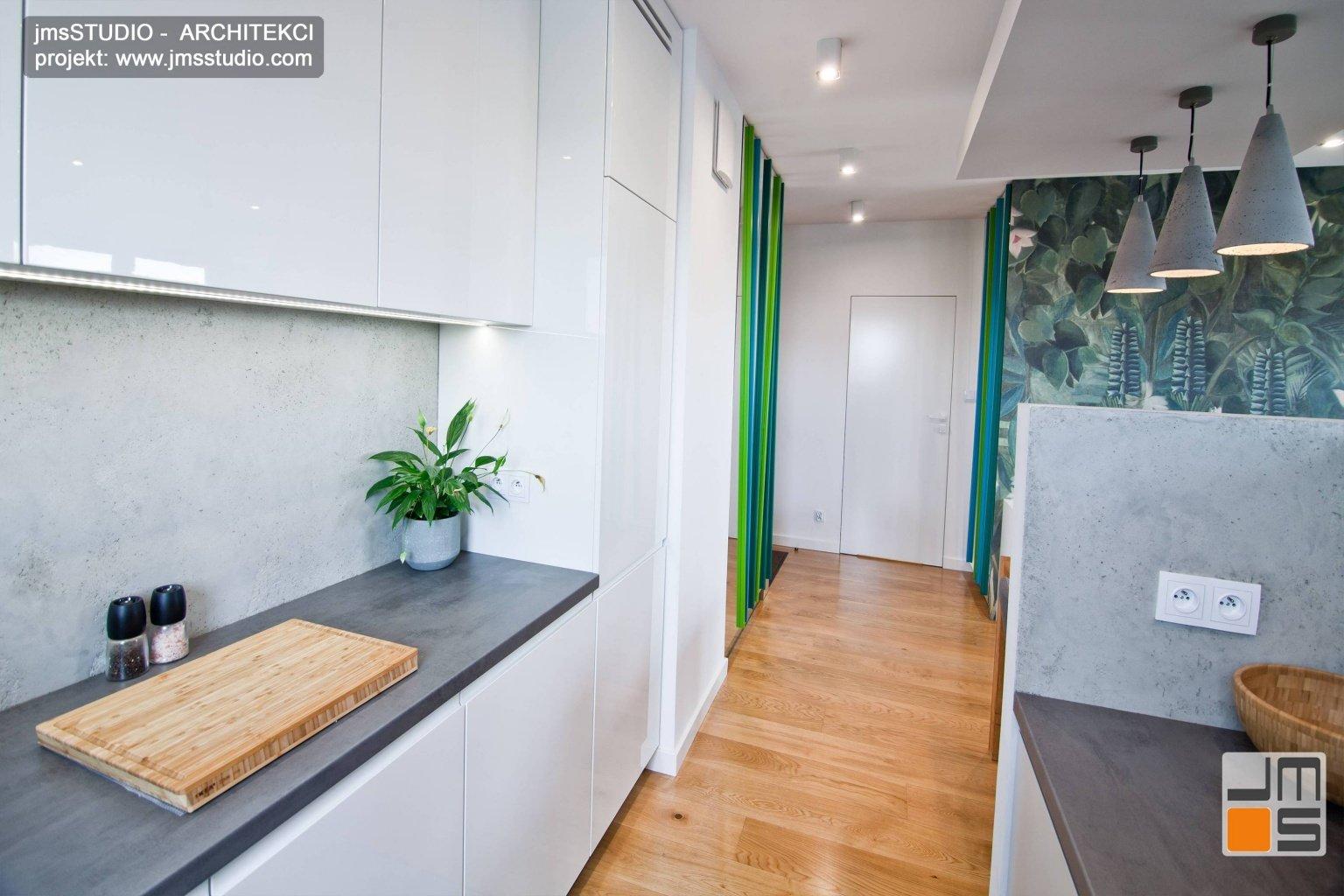 projekt wnętrz  otwartej kuchni w bloku  zdjęcia z  realizacji pomysłu na oddzielenie kuchni