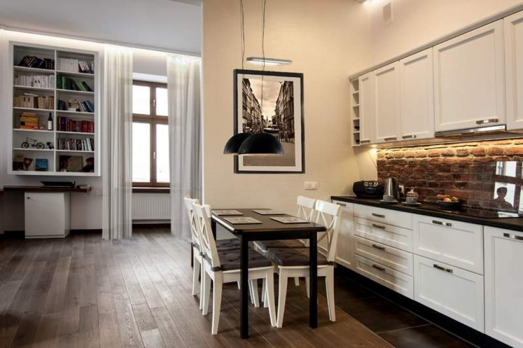 03 28 016 pomysl na kuchnie klasyczna rustykalna z jadalnia