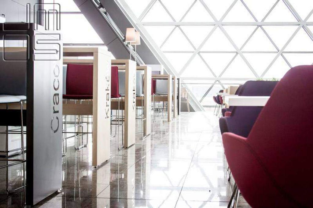 Aranżacja wnętrz restauracji w terminalu T4 Kraków-Balice
