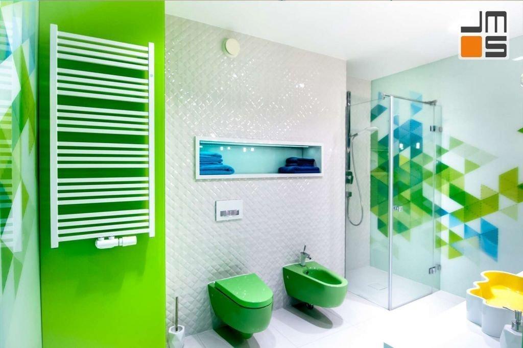 Realizacja kolorowej łazienki pomysł na kolorowe ściany w łazience