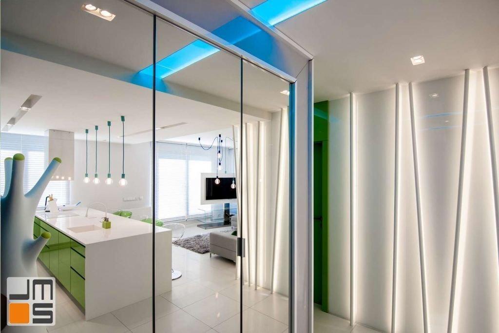 Realizacja szafy wykonczonej lustrem Pomysł na nowoczesną szafę
