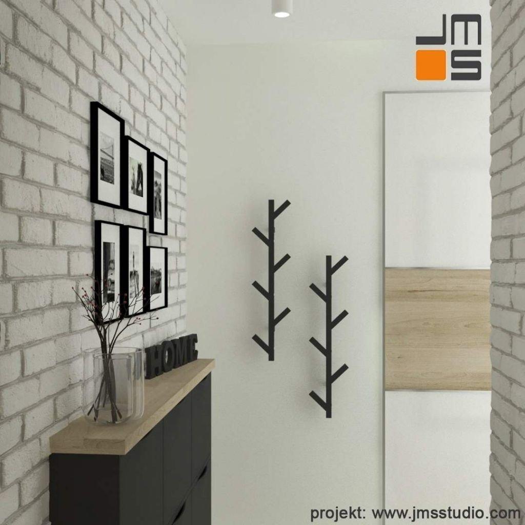 Mały chol wejściowy zaprojektowany w oparciu o produkty Ikea