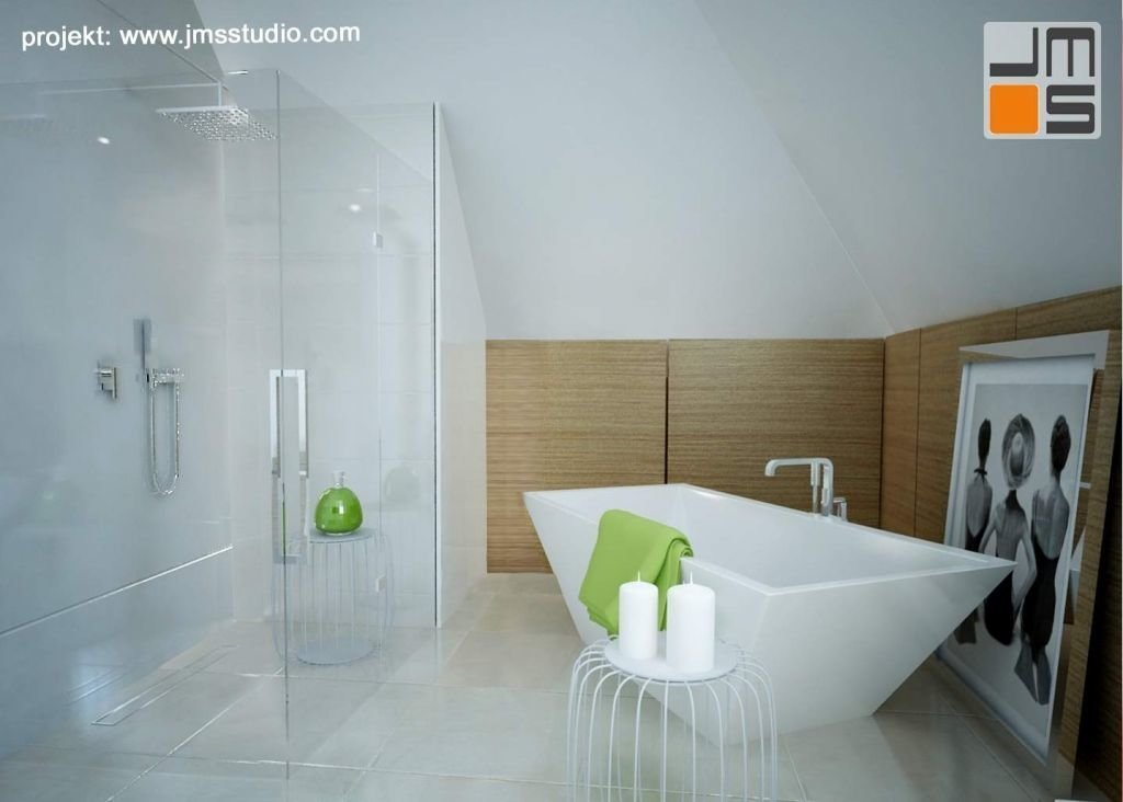 W przestronnym salonie kąpielowym zastosowano obok wanny wolnostojącej dużywygodny przesklony prysznic z deszczownicą i dekoracyjne elementy drewniane