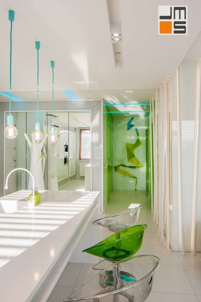 Pomysł na oświetlenie ekskluzywnego apartamentu Pomysł na lampy wiszące w kuchni