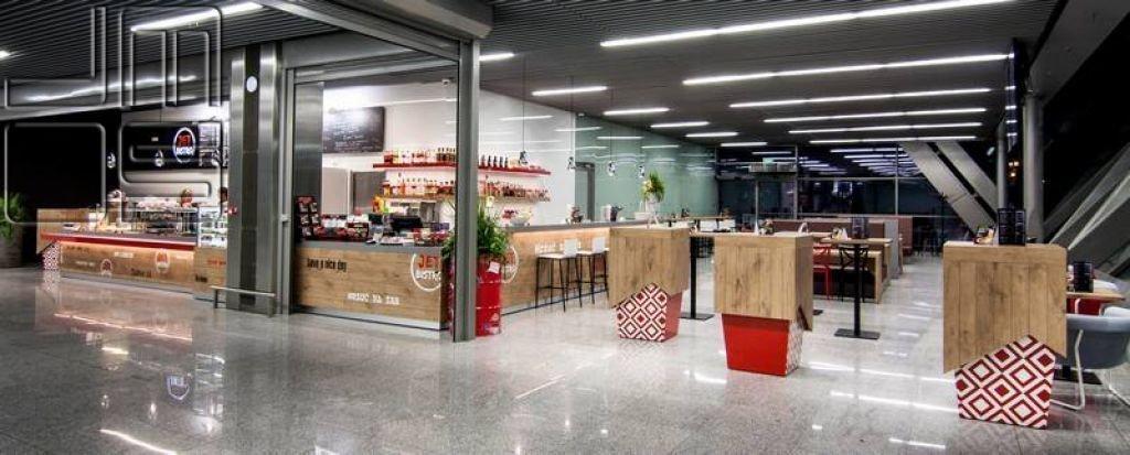 Realizacja restauracji w pasażu handlowym na lotnisku Kraków-Balice