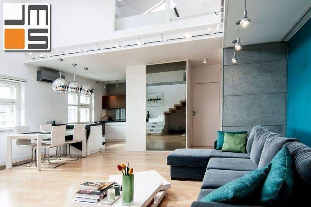 Pomysł na nowoczesną jadalnię w mieszkaniu dwupoziomowym