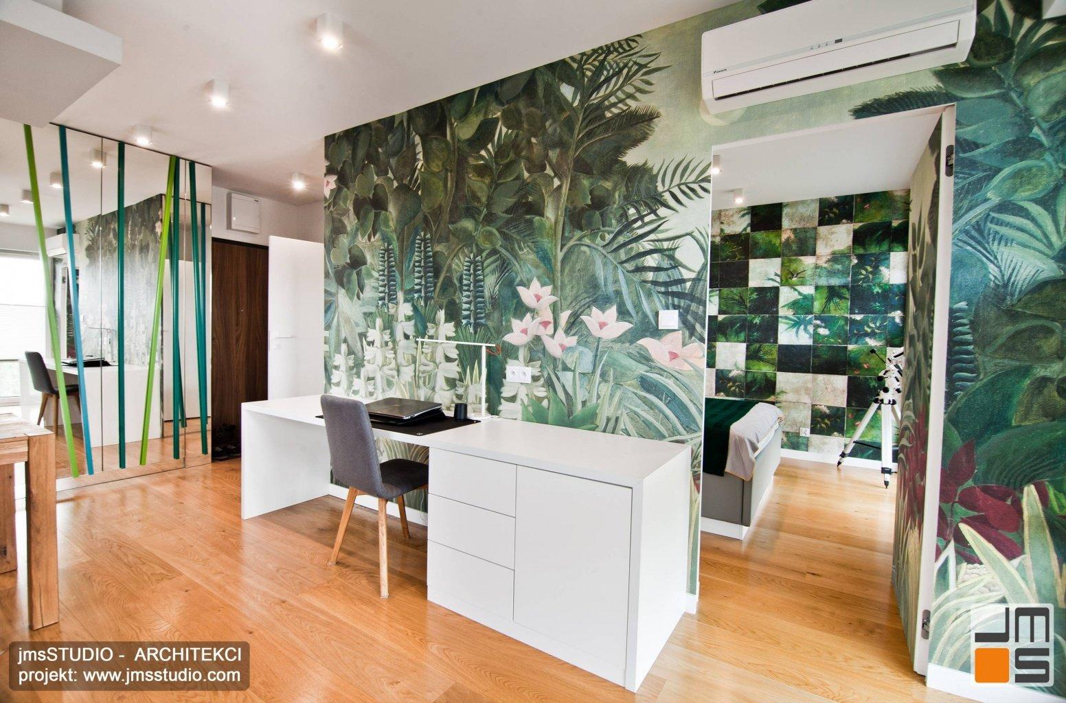 Jak urządzić małe mieszkanie w bloku ?  zdjęcia z realizacji projektu wnętrz mieszkania z grafiką w Krakowie