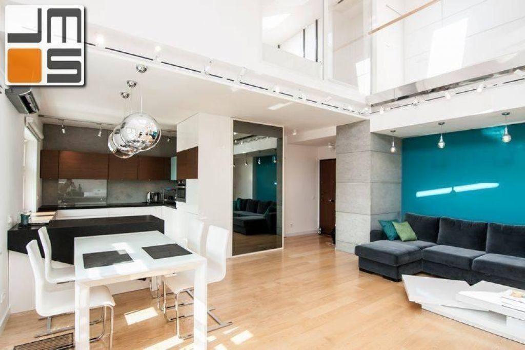 Wnętrze z kolorem turkusowym pomysł na wnętrze mieszkania dwupoziomowego